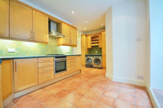 3 bed flat to rent in Westminster Mansions, Little Smith Street, London