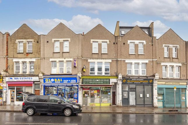 2 bed flat for sale in London Road, London SW17
