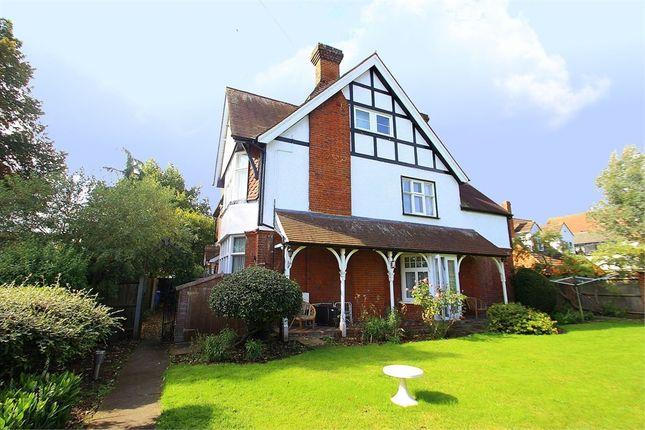 2 bed flat for sale in 4 Queens Road, Datchet, Berkshire