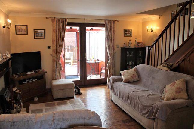 Lounge of Roedeer Cottages, Raskelf, York YO61
