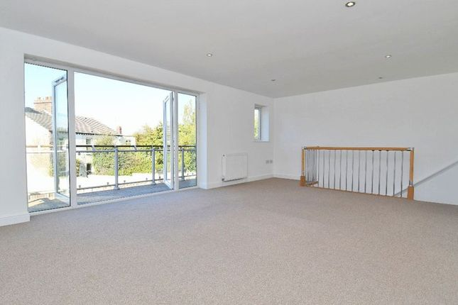 Thumbnail Semi-detached house to rent in Denby Dale Road, Calder Grove, Wakefield