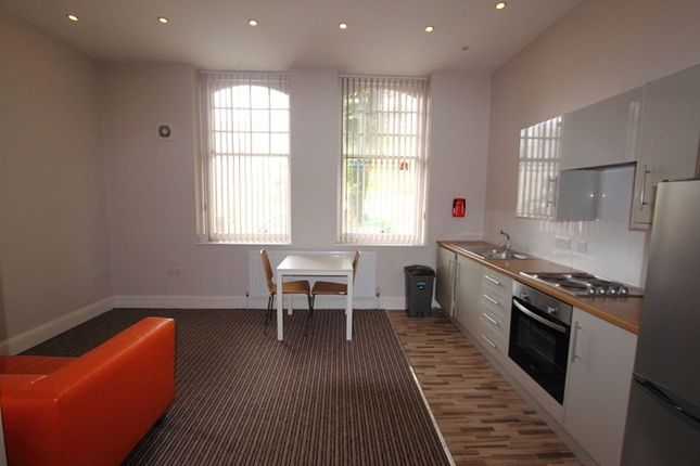 Thumbnail Flat to rent in Queen Anne Terrace, Plymouth