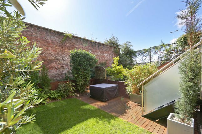 Thumbnail Property for sale in Portland Square, London