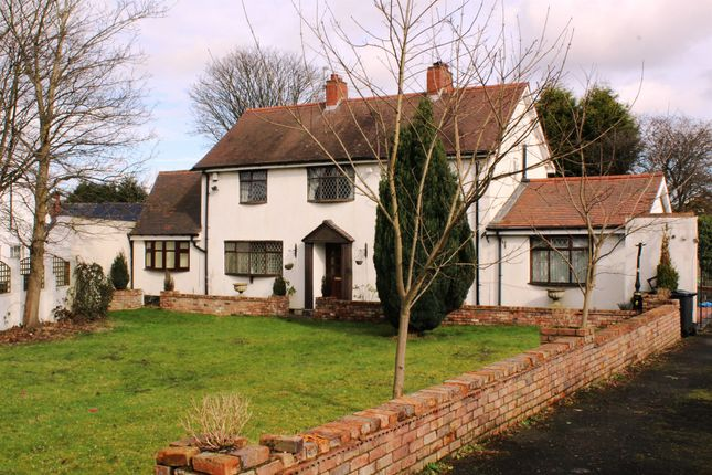 Thumbnail Detached house for sale in Clarkes Grove, Tipton