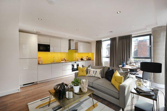 Thumbnail Flat to rent in Back Church Lane, London, Greater London