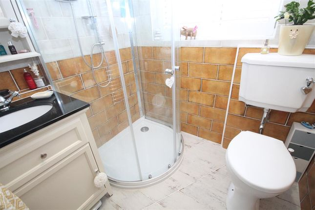 Shower Room of Spinnaker Close, Clacton-On-Sea CO15