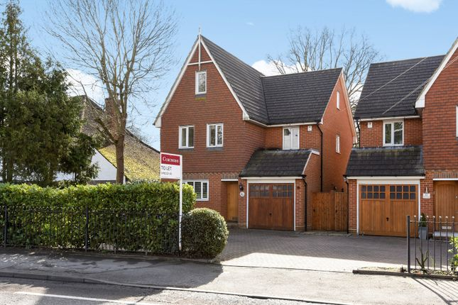 Thumbnail Detached house to rent in Esher Road, Hersham, Walton-On-Thames