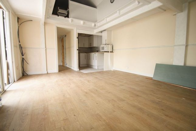 Thumbnail Flat to rent in Jubilee Road, Parkstone, Poole