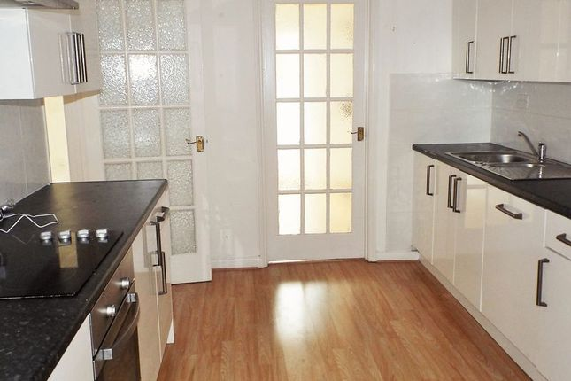 2 bed flat to rent in Howdon Road, North Shields NE29