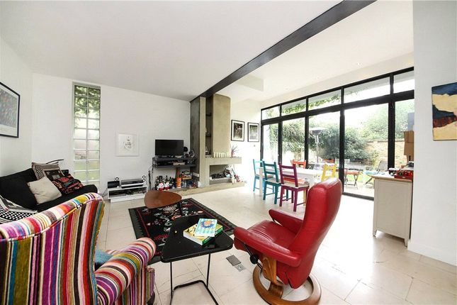 Thumbnail Semi-detached house to rent in Forest Road, London Fields, London