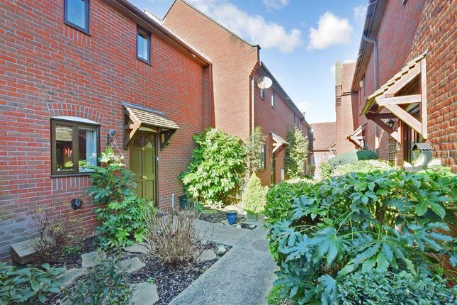 Thumbnail Mews house for sale in Bridle Path, Beddington, Croydon, Surrey