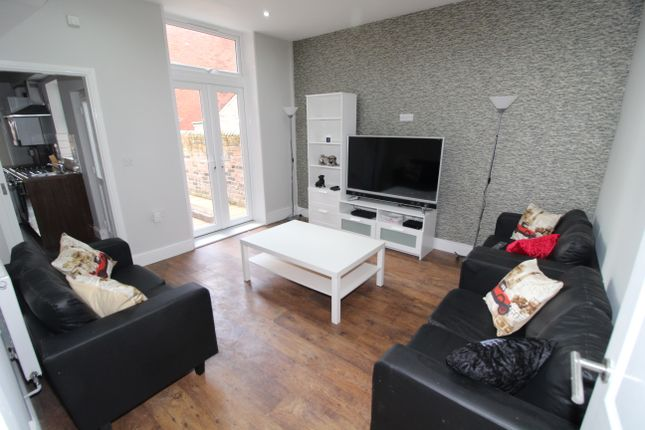Thumbnail Shared accommodation to rent in Kenmure Place, Preston