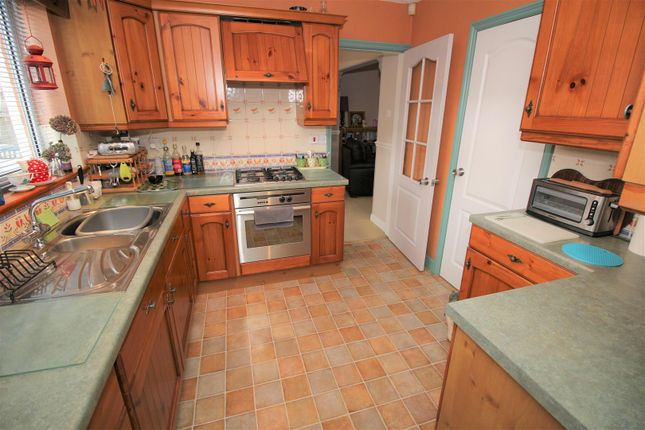 Kitchen (1) of Wychwood Drive, Trowell, Nottingham NG9