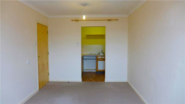 Thumbnail Flat to rent in Kings Gardens, Kerslakes Court, Honiton, Devon