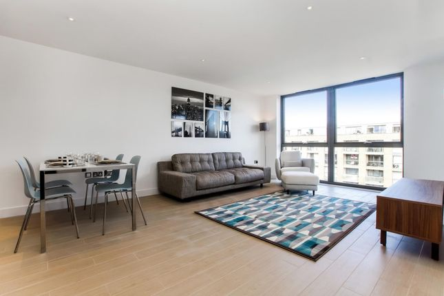 Thumbnail Flat to rent in Canalside Square, London