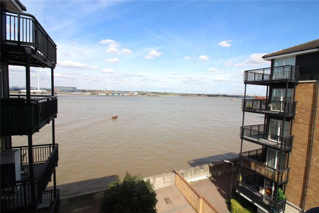 Thumbnail Flat to rent in Baltic Wharf, Clifton Marine Parade, Gravesend