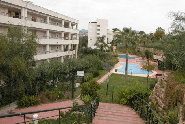 3 bed apartment for sale in Spain, Málaga, Marbella, Guadalmina Alta
