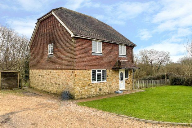 4 bed detached house to rent in Dewlands Hill, Crowborough TN6