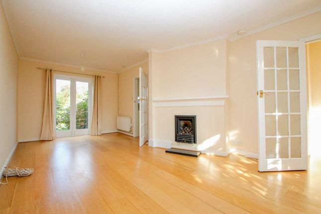 Photo2 of The Roundway, Claygate, Esher KT10
