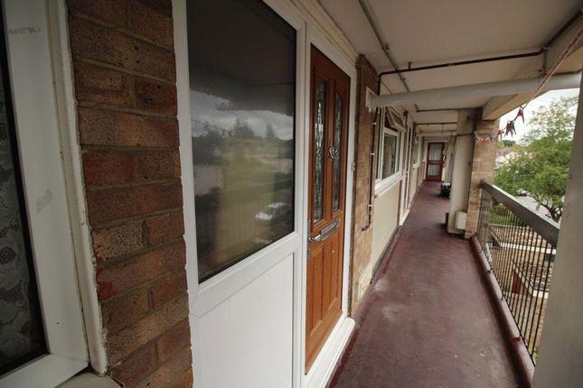 Thumbnail Flat to rent in Walton Court, Woking