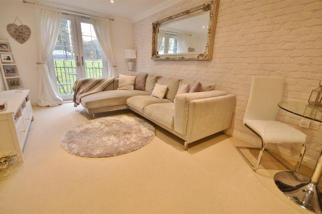 Lounge 2 of London Road, Bushey WD23