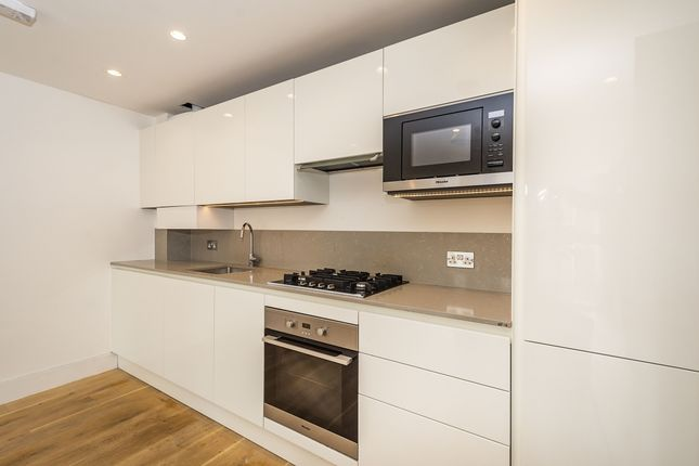 Kitchen of Ealing Green, London W5