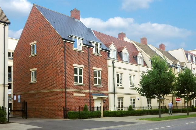 Thumbnail Flat to rent in Welch Way, Witney, Oxfordshire