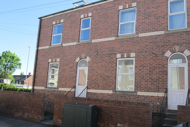 Thumbnail Shared accommodation to rent in 11 Regent Street, Wakefield