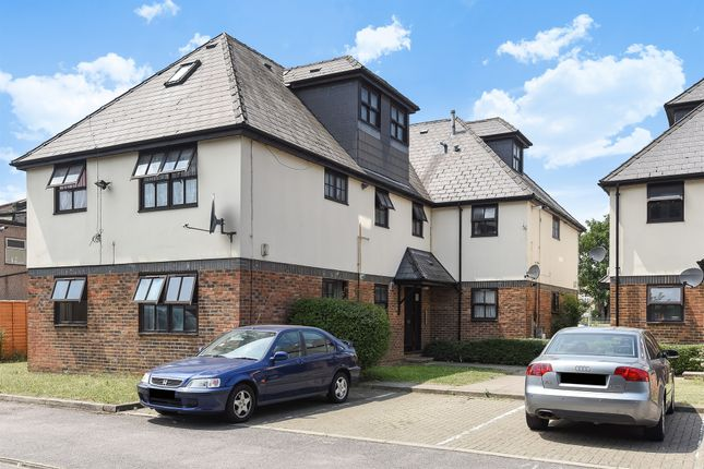 Thumbnail Flat for sale in Grove Road, Mitcham