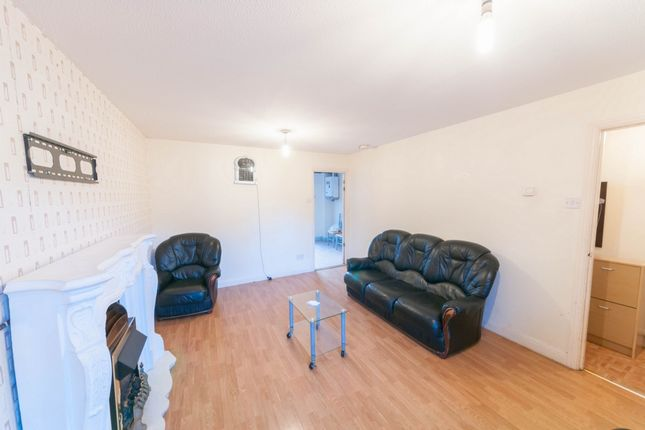 Thumbnail Semi-detached house to rent in Covelees Wall, Beckton