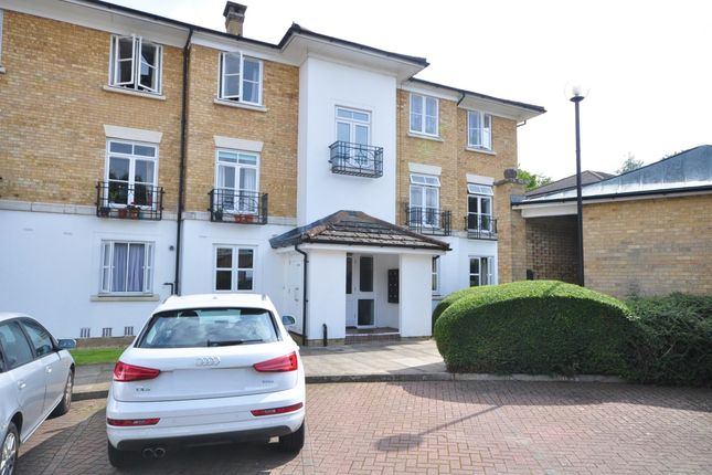 1 bed flat to rent in Kingswood Drive, Sutton SM2