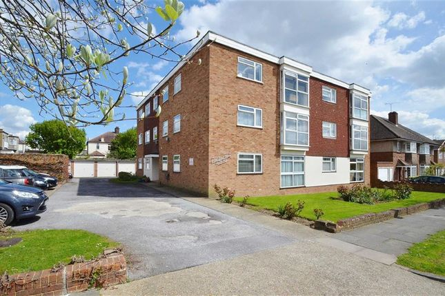 Thumbnail Flat for sale in Canvey Road, Leigh-On-Sea, Essex
