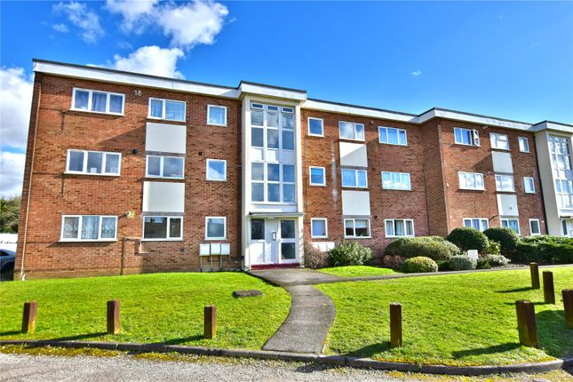 Thumbnail Flat for sale in Buttermere Place, Linden Lea, Watford, Hertfordshire