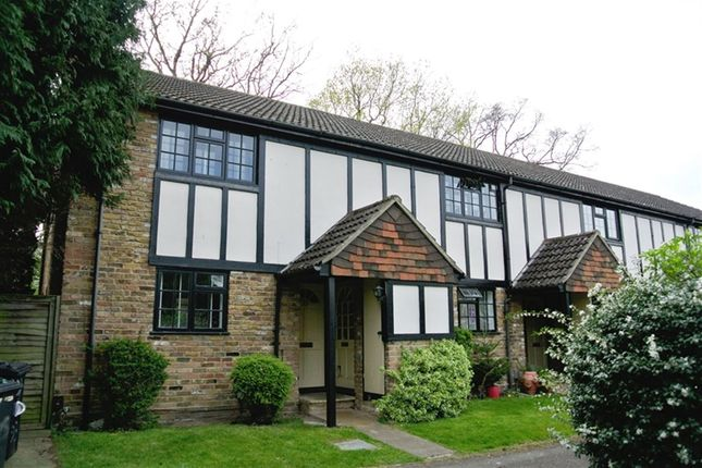 1 bed flat to rent in Limebush Close, New Haw, Addlestone, Surrey