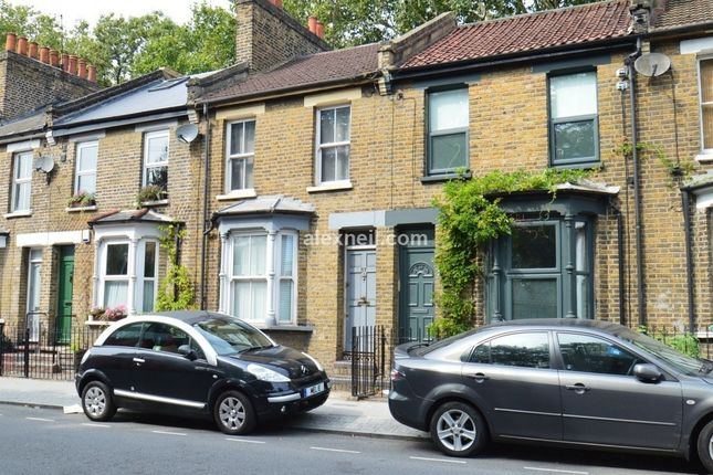 Thumbnail Town house to rent in Eastway, London