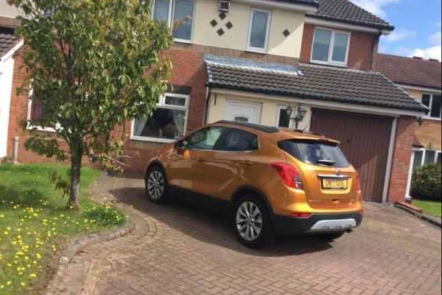 Thumbnail Semi-detached house to rent in Wenlock Gardens, Bloxwich, Walsall WS31Ta