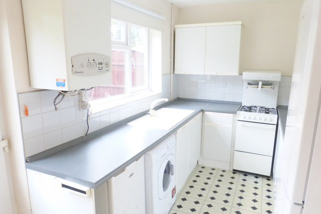 Thumbnail Semi-detached house to rent in Burrows Crescent, Beeston