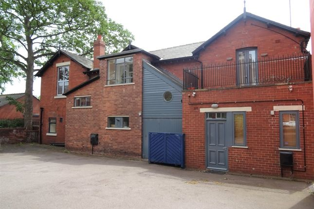 Thumbnail Flat to rent in North Road Terrace, Wakefield