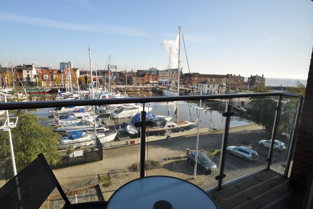 Thumbnail Flat for sale in Freedom Quay, Hull Marina