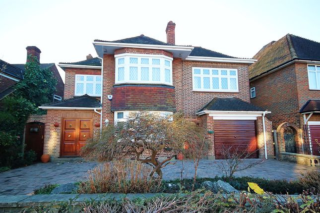 Thumbnail Property for sale in Langside Crescent, London