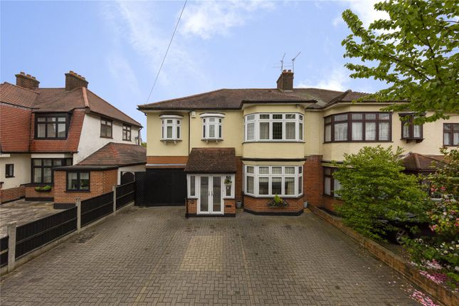 Thumbnail Detached house for sale in Lake Rise, Romford