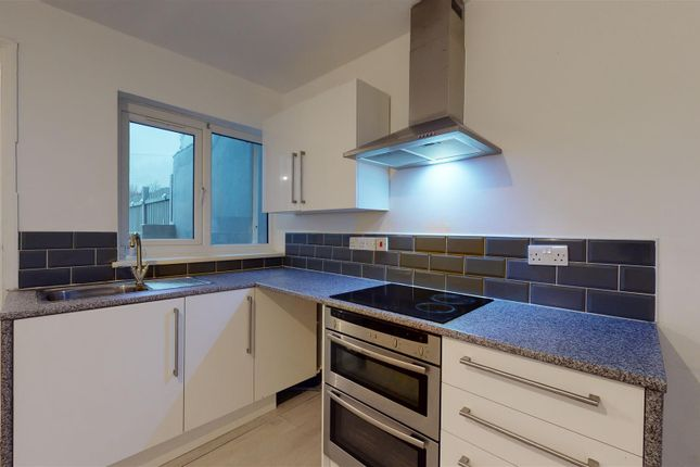 3 bed property to rent in Edward Road, Folkestone CT19