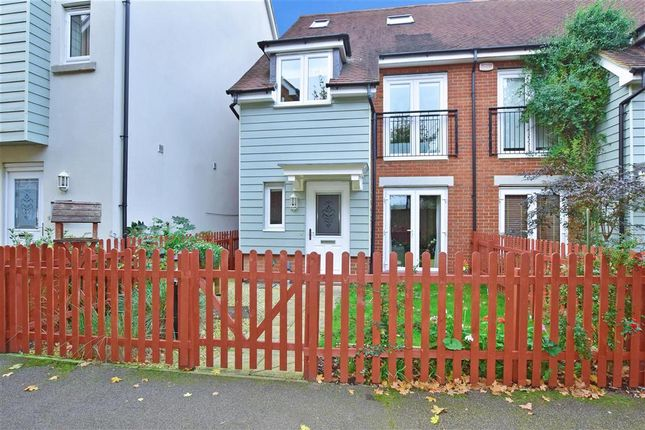 Thumbnail Terraced house for sale in The Moors, Redhill, Surrey