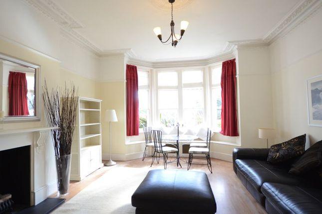 Thumbnail Flat to rent in Bath Road, Taplow, Maidenhead