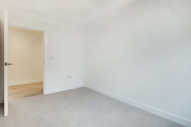 4_Bedroom 2-1 of Fircroft Way, Edenbridge, Kent TN8