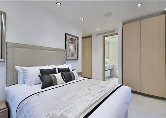 Bedroom 1 of Windlesham House, One Tower Bridge, London SE1
