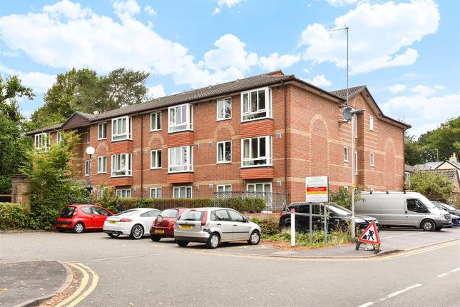 Thumbnail Property for sale in Oak Lodge, New Road, Crowthorne