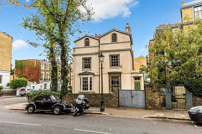 3 bed property for sale in Gloucester Crescent, London