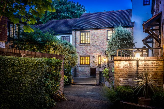 Thumbnail Terraced house for sale in The Farthings, Kingston Upon Thames
