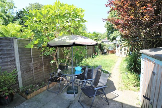 2 bed terraced house to rent in Acorn Way, Forest Hill, London, Greater London SE23